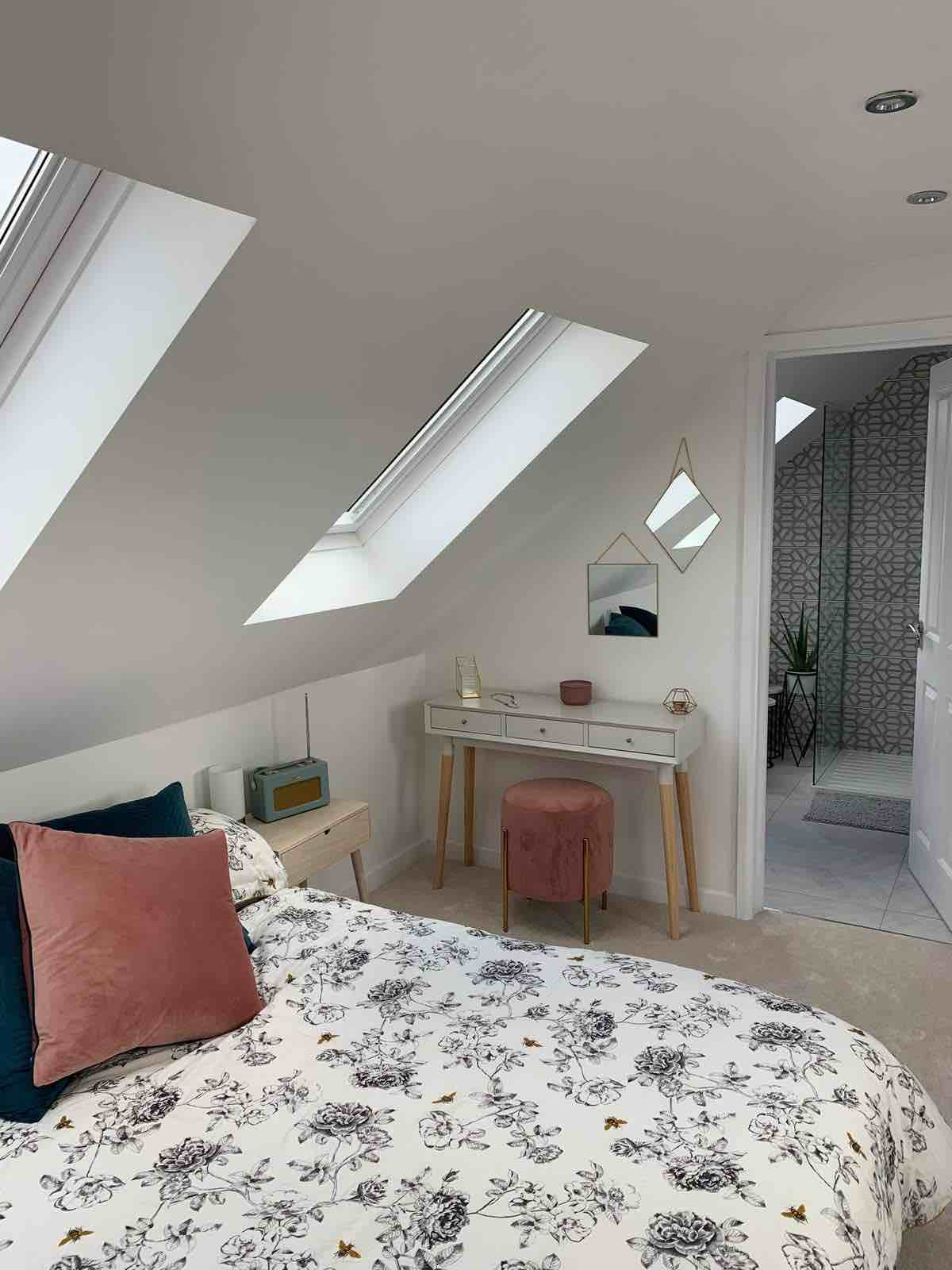 velux_bungalow_sky_blue_lofts_south_wales_cardiff_attic_conversion_company_aspect_to_ensuite_door_resized