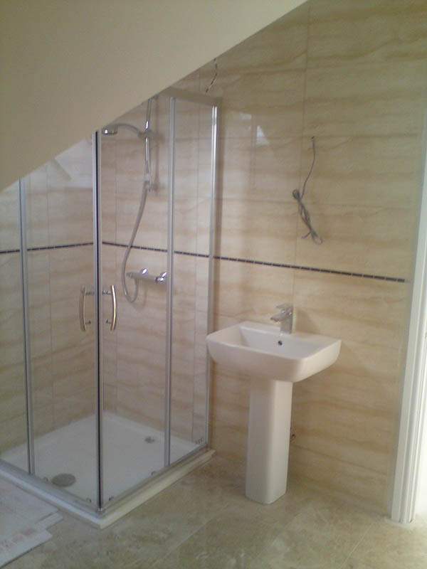 bathroom-ensuite-gallery-loft-conversion-cardiff-south-wales-sky-blue-lofts-01-copy