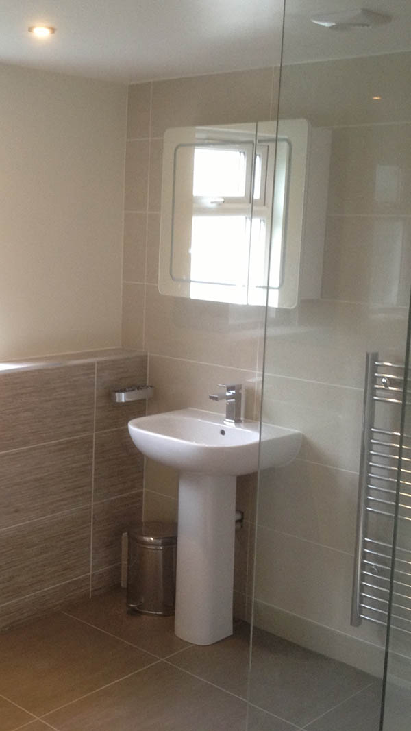 bathroom-ensuite-gallery-loft-conversion-cardiff-south-wales-sky-blue-lofts-18-copy