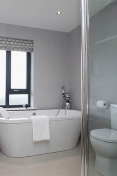 bathroom-ensuite-gallery-loft-conversion-cardiff-south-wales-sky-blue-lofts-20-copy