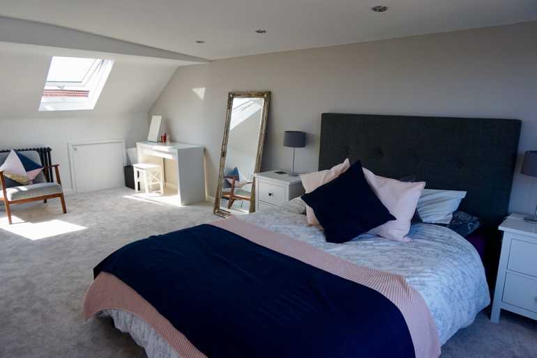sky_blue_lofts_conversion_cardiff_penarth_barry_caerphilly_bridgend_radyr_whitchurch-rear-dormer-bedroom-ensuite-attic_9